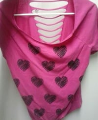women's pink and black heart-printed scoop neck to Knoxville, 37920