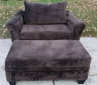 Couch and Love seat set Newport News, 23602