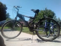 black and gray hardtail mountain bike Des Moines, 50316