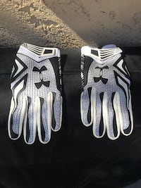 Under Armour Swarm men's large football gloves 1939 mi