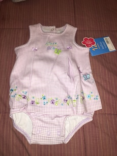 Carters baby girl Size 12 summer outfit