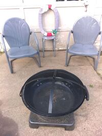 2 chairs, stool/table with fire pit Elyria, 44035