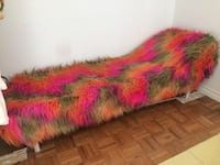 Funky retro vintage fainting couch fur settee Toronto, M5H 1X9
