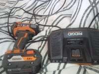 Rigid 18 v hammer drill with charger almost new Mississauga, L5A 1W5