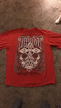 Size Large TAPOUT T-Shirt