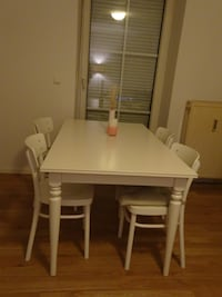 Dining Table & Chairs 6832 km