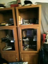 Entertainment cabinet 8ft tall good condition Kansas City, 64128