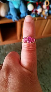3 stone created pink sapphire size 7 10k gold