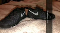 pair of black Nike running shoes Winchester, 22601