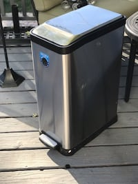 Brand New Stainless Steel Trash Can Denver, 80209