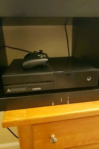 black Xbox One console with controller Lawrenceville, 30044