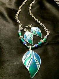 silver and blue beaded necklace Woodbridge, 22191
