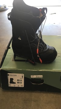 unpaired black Maysis boot with box Los Baños, 93635