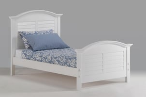 Sandpiper Twin Platform-style bed   ** New in Box **