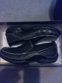 pair of black leather loafers with box Washington, 20032