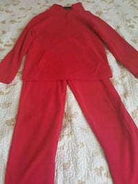 Red tracksuit Toronto, M3N 1A2