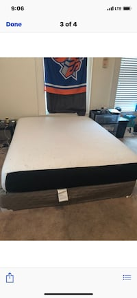 Queen mattress and box spring  Bloomington