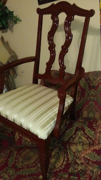 ANTIQUE CHAIR...FOR SALE... Luling, 70070
