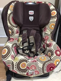 gray and white floral Britax car booster seat Herndon, 20170