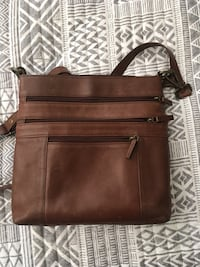 Brown leather purse  West Haven, 84401