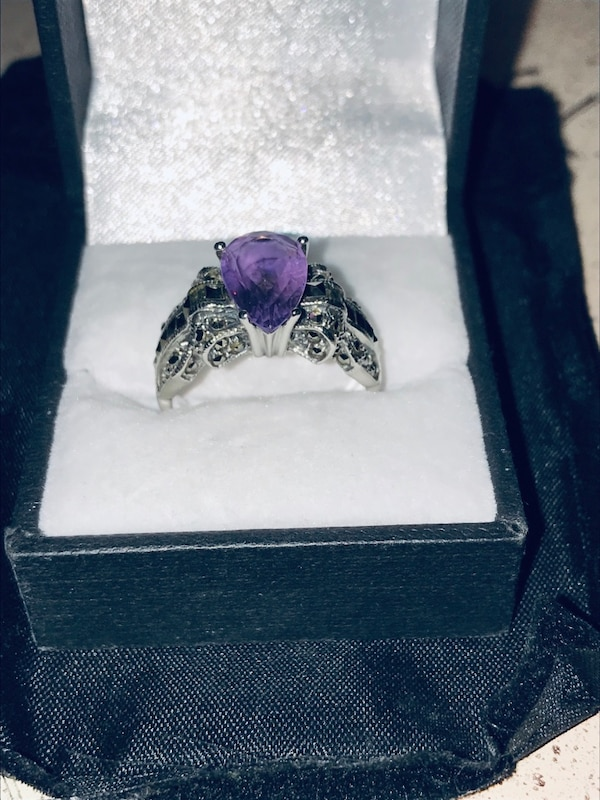 Amazing Valentine's Day Gift, Beautiful 3+carat natural Purple Amethyst set in Sterling Silver and Marcasite.  Huge ring....