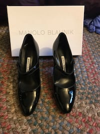 Manolo Blahnik Black Patent Leather Mary Janes Size 7 Norfolk, 02056