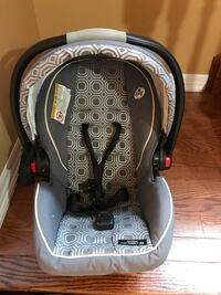 Graco click connect car seat with base and all the covers