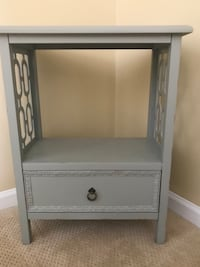 Gray wooden / drawer chest