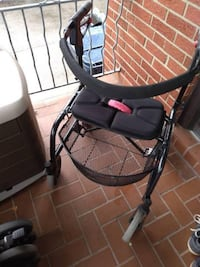"""NeXus Series III Rollator Walker- Very Good Condition!  NeXus Series III The neXus rollator features an """"X"""" frame design that folds from side to side which makes it quick and easy to fold. It also allows the rollator to stand independently when folded and Toronto"""