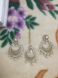 Earring set Brampton
