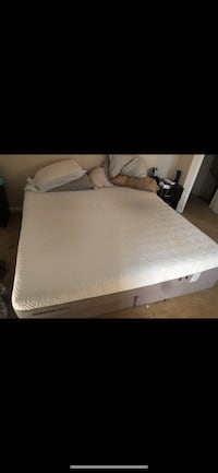 Tempurpedic mattress like new only used 7 months Fort George G Meade, 20755