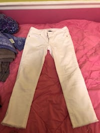 white and pink pants and white shirt LaGrange, 30241