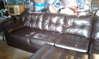 Sectional couch with ottoman and matching recliner  Hartford, 43013