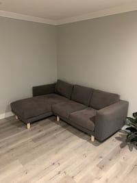 Sectional couch in top notch condition!