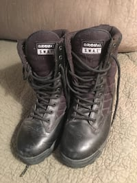 Women's size 9.5 original swat boots Winnipeg, R3L 1W8