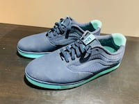 Vans Woman size 6.5US Pre owned (fits larger) Vancouver, V5M