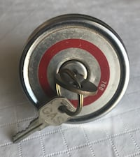 Vintage Fuel Cap 760 with 2 keys