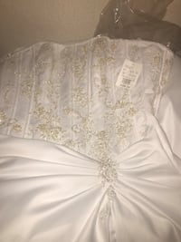 Wedding gown size 8 Baltimore, 21216