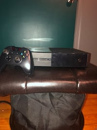 Black xbox one with controller Bethlehem, 18017