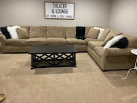 Broyhill Sectional Sofa (Originally Paid $2000) Frederick, 21704