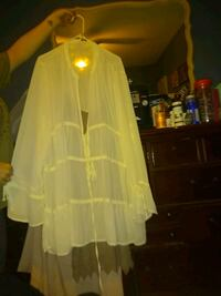 women's white long-sleeved tunic top Fairview, 37062