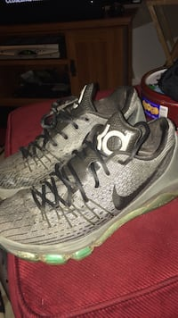Grey and black kevin durant basketball shoes