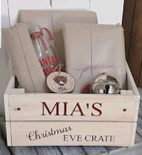 Christmas eve wooden boxes personalized Toronto, M1C 4B6