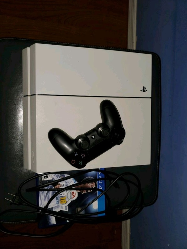 PS4 for sale with fifa 18/19 +madden 19