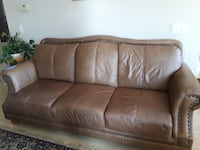Leather sofa and loveseat null
