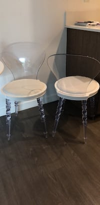Two round white wooden side tables Los Angeles, 90048
