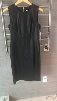black scoop-neck sleeveless dress Roswell, 30075