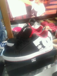 Dc shoes brandnew never worn only resson for selling to smalll  St. Catharines, L2M 3Z3