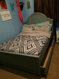 Full size bed and furniture Houston, 77076