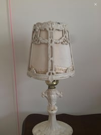 Cute antique ventGe retro iron Victorian table lamp Toronto, M5H 1X9
